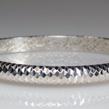 Vintage Mylor Italy Sterling Silver 925 Diamond Cut Hinged Bangle Bracelet