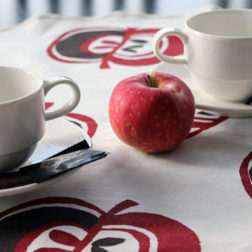 Round kitchen linen towel napkin with apple by myCraftFactory