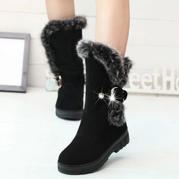 Women Winter Shoes Women's Middle Barrel Boots The New 2 Color Fashion Casual Fashion Flat Warm Woman Snow Boots Free Shipping