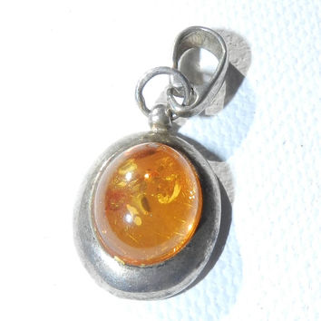 925 Amber Oval Pendant, Amber Charm, Amber Jewelry, Amber Jewellery, Amber Jewelery, 925 Amber Gemstone, Autumn Trends