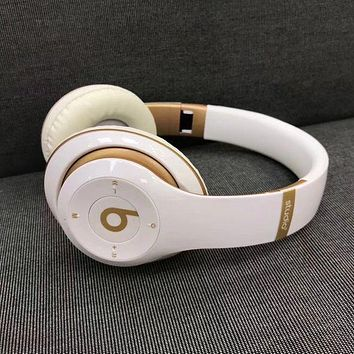 Fashionable Beats Solo 3 Wireless Magic Sound Bluetooth Wireless Hands Headset MP3 Music Headphone With Microphone Line-in Socket TF Card Slot For Women Men Ink White I/A