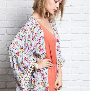 Keep Your Chin Up Kimono - Grey Floral