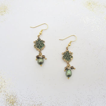 green earrings, freshwater pearl, crystal earrings,  swirl earrings, vine earrings, winter earrings, bohemian, ranch country, back to school