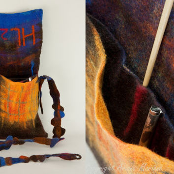 Designer OOAK handfelted messenger bag by ArianeMariane on Etsy