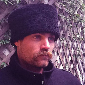 Mens Russian fake fur karakul hat, curly lamb