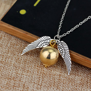 High Quality Statement Vintage Tone Potter Necklace Quidditch Golden Snitch Fly Ball Wings Pendant Necklace