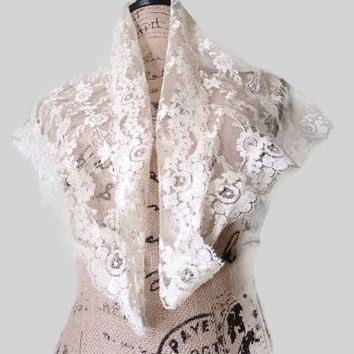 Victorian Filet Crochet Floral Ivory French Lace Shawl