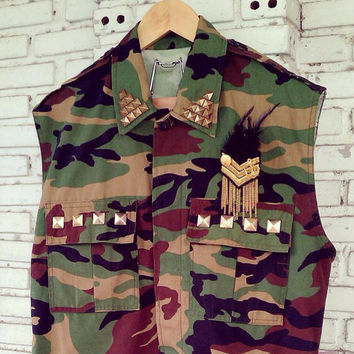 Vintage Vest Cut Off Camouflage Army Jacket With Studded / Camo Jacket  Size S/M/L Regular