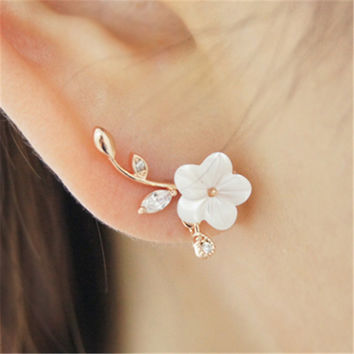 Hot Sale Rhinestone Leaf Shell Flowers Stud Earrings Fashion Small Fresh Gold Plated Silver Needle Hypoallergenic Earrings