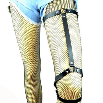 """Black 3/4"""" Wide Long Strap O-ring Leather Thigh Leg Harness"""