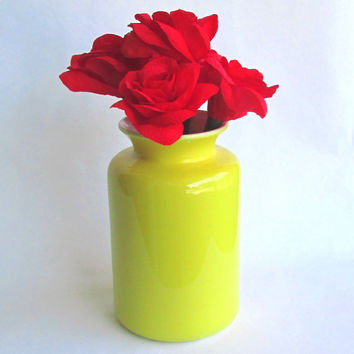 Jonathan Adler Vase and Paper Flower Bouquet - Happy Chic Paper Bouquet - Paper Rose Bouquet - Paper Flowers - Red Roses - Yellow Vase