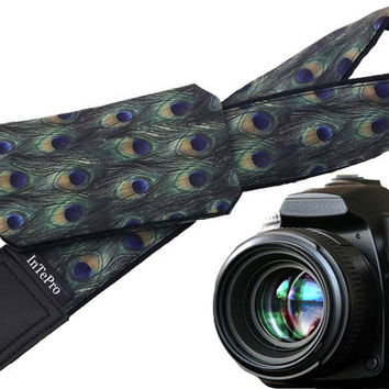 Peacock camera strap with pocket. Feather print. Cap pocket. Embroidered initials option. Custom gifts. Gift ideas for moms. Birthday gifts.
