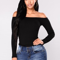 Overdrive Off Shoulder Top - Black