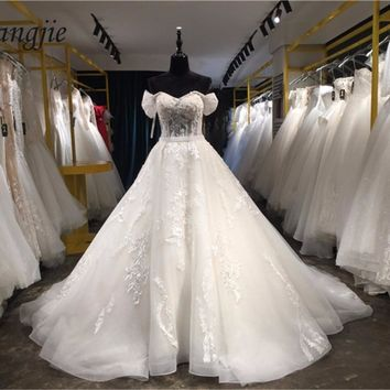 Ball Gown Lace Wedding Dresses 2018 Strapless Off-Shoulder Sleeveless Lace Up Sweep Train Applique Bridal Gown Robe De Mariage
