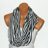 Infinity Scarf,Loop Scarf,Circle Scarf, textile Black,White Scarf,Cowl Scarf,Nomad Cowl....striped scarf...