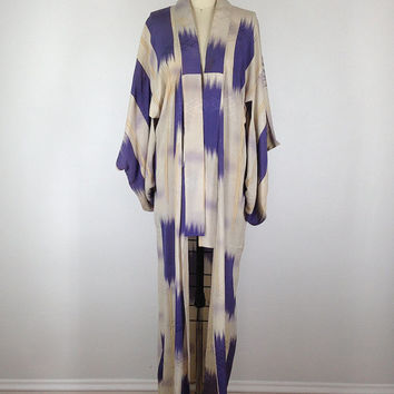 Vintage Kimono / Muted Colors / Purple and Tan Ikat Stripes / 1960s Yukata