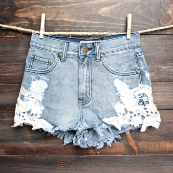 REVERSE Distressed denim shorts with floral crochet detailing