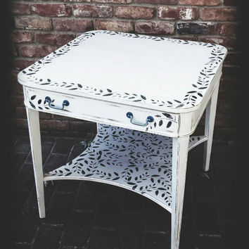 White accent table, distressed acce table, antique accent table, shabby chic table, distressed accent table, painted table, side table