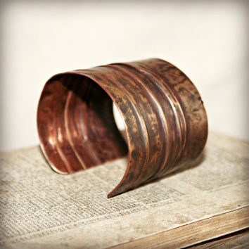 COPPER CUFF BRACELET - Folded and Hammered Solid Copper - One of a Kind - Medium - Ready to Ship