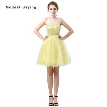Sexy Yellow Ball Gown Beaded Short Cocktail Dresses 2018 with Rhinestone Mini Homecoming Graduation Prom Gowns vestido de festa