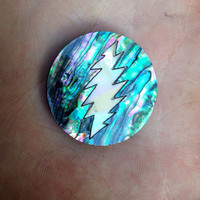Grateful inlay abalone/mother of pearl pin