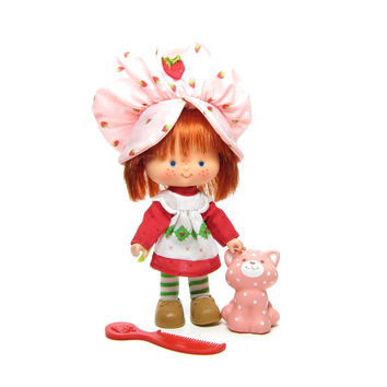 Strawberry Shortcake Doll with Custard Cat Pet and Berry Comb Vintage 1980's Toy