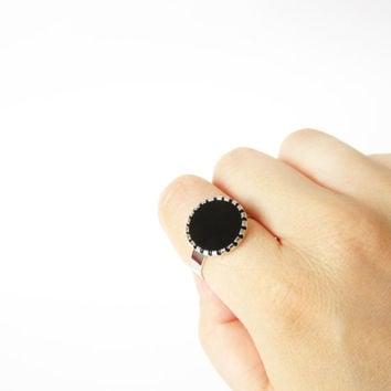 Tiny retrò BLACK RING. Rock black ring in vintage 80s style