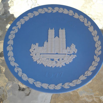 1977 WEDGWOOD Jasperwear Westminster Abbey Collector Christmas Plate w/Box NEW!