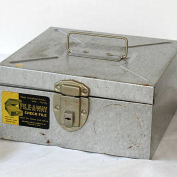 Check Receipt Box with Key Industrial Style Galvanized | Retro Check File Box | Metal Cash Box with Handle | Silver Vintage Exselsior Box