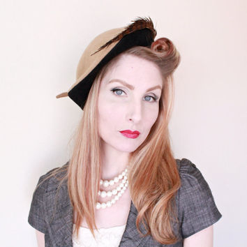 1950s Hat / VINTAGE / 50s hat / Tilt / Sculpted / Pheasant Feather / Brown / Classy
