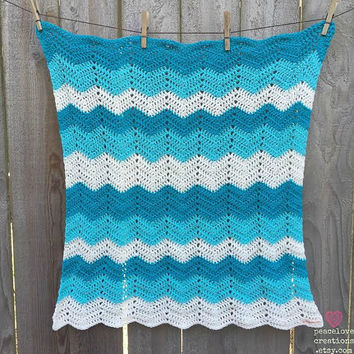 Crochet Chevron Baby Blanket~Ready to ship~FREE SHIPPING