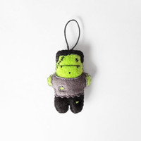 Halloween Frankenstein monster figurine, Halloween party home decor, felt plush ornament, Halloween gift idea and favour