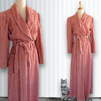 1940s / 1950s Light Pink Chenille Robe // Plush Bathrobe, Bathrobe, Size 14