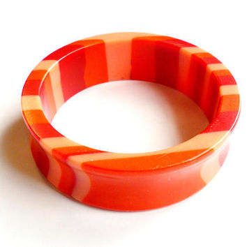 Vintage Pink Red Strip Lucite Bangle Concave Curve Molded Layers Coral Salmon Acrylic Plastic Retro Large Size