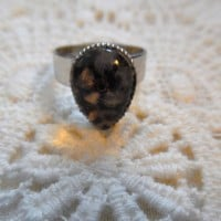 Coriandr / ever87 / Cream/brown/silver/flower/resin teardrop ring