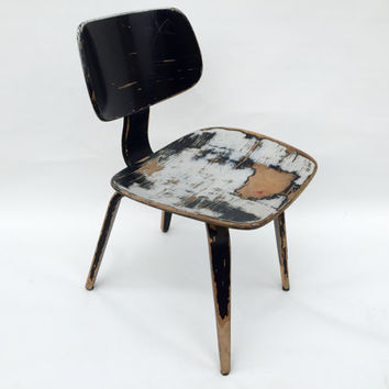 Vintage Thonet bent plywood chair.