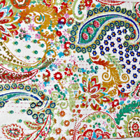 White Paisley Kantha Quilt In Floral, Kantha Blanket , Kantha Bedding , Indian Bedding , Indian Bedspread In Paisley bed cover bedspread