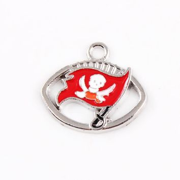 Silver Pendant Charms Enamel Tampa Bay Buccaneers Charms for Bracelet Necklace for Women Men Football Fans Paty Fashion 2017
