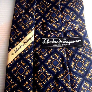 Men's SALVATORE FERRAGAMO Classic Silk Neckties Lion Pattern Made in Italy