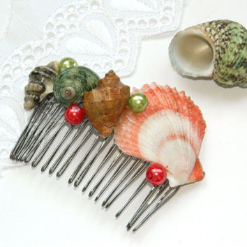 Wedding Hair Comb-Sea shell accessory-Beach wedding-sea shells hair accessories-Bridesmaid Hairpiece-bridal-ocean-seashells-red green
