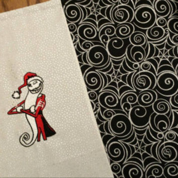 NIGHTMARE Before ChrisTmaS Sandy Claws Jack SkellingToN Table Runner Elegant Silver Spider Web Fabric Beautiful Detailed Christmas Design