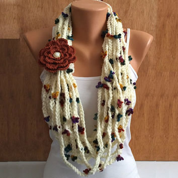 cream crochet chain flower yarn Infinity scarf with crochet flower removable brooch pin