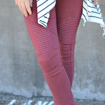 Set Me Free Jeggings - Burgundy