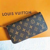 LV Tide brand classic old flower female models long zipper wallet card package
