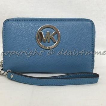 NWT MICHAEL Michael Kors Fulton Multifunction Phone Case Wristlet in Sky Blue