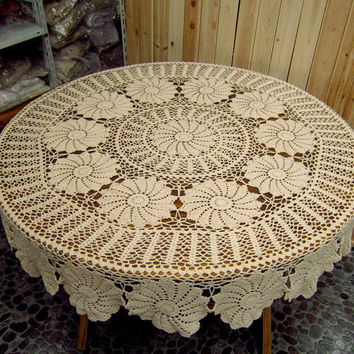 "65"" Round Crocheted Tablecloth,Vintage handmade cotton tablecover,From 1980s"