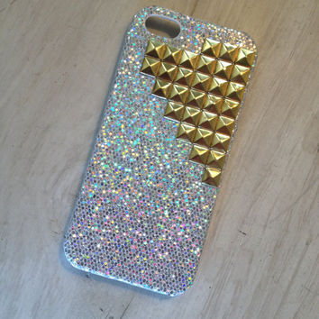 Iphone case protector / iphone 5 case silver sparkle case with gold tone studs iphone 5