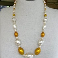 "Vtg 1980s Gold Glitter Faux Pearl Bead 26.5"" Graduated Necklace Big Chunky"