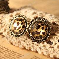 Retro Vintage Antique Brass Leopard Round Clear Stone Carved Ear Stud Earrings