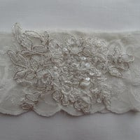 wedding garters, bridal garters, lace garter, the bride, wedding accessories, ivory garter,
